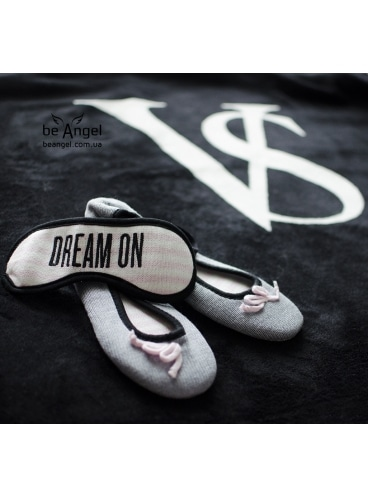 Мягенькие тапочки и повязка для сна от Victoria's Secret
