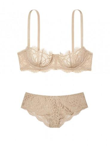 Кружевной комплект белья от Victoria's Secret