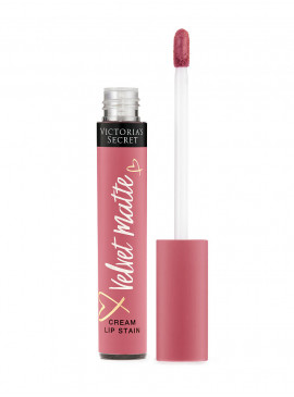 Фото Матовая крем-помада для губ LOVE из серии Velvet Matte от Victoria's Secret