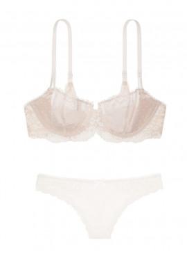 More about Кружевной комплект белья Unlined Uplift из серии Dream Angels от Victoria's Secret
