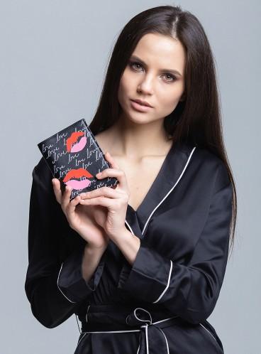 Обложка для паспорта Lip Zip от Victoria's Secret