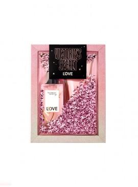 Фото Набор косметики Victoria's Secret LOVE в подарочной коробке