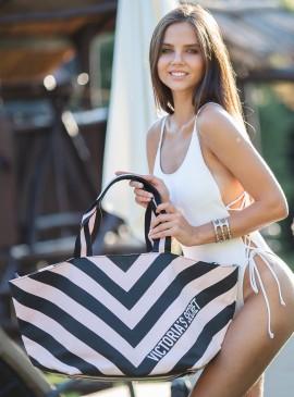 Фото Стильная дорожная сумка Victoria's Secret - Stripe