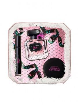 Фото Набор косметики TEASE от Victoria's Secret в подарочной коробке