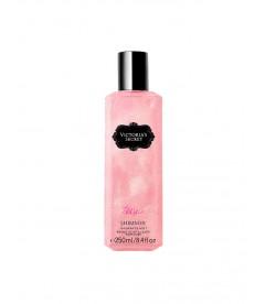 Парфюмированный спрей для тела с шиммером Tease от Victoria's Secret