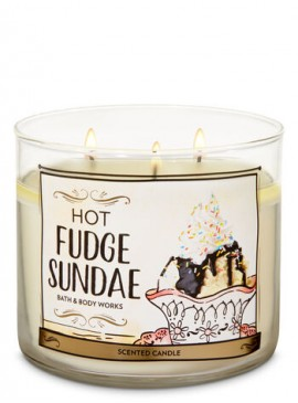 Фото Свеча Hot Fudge Sundae от Bath and Body Works
