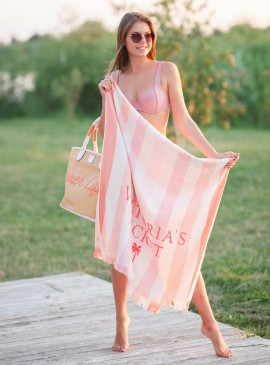 Фото Пляжное полотенце от Victoria's Secret - Stripe