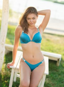 Фото NEW! Стильный купальник Shine Strap Bali Bombshell Thong от Victoria's Secret - Cosmo